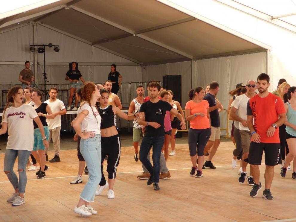El Pirineos Salsa Festival llena de ritmo Sabiñánigo con dieciocho talleres