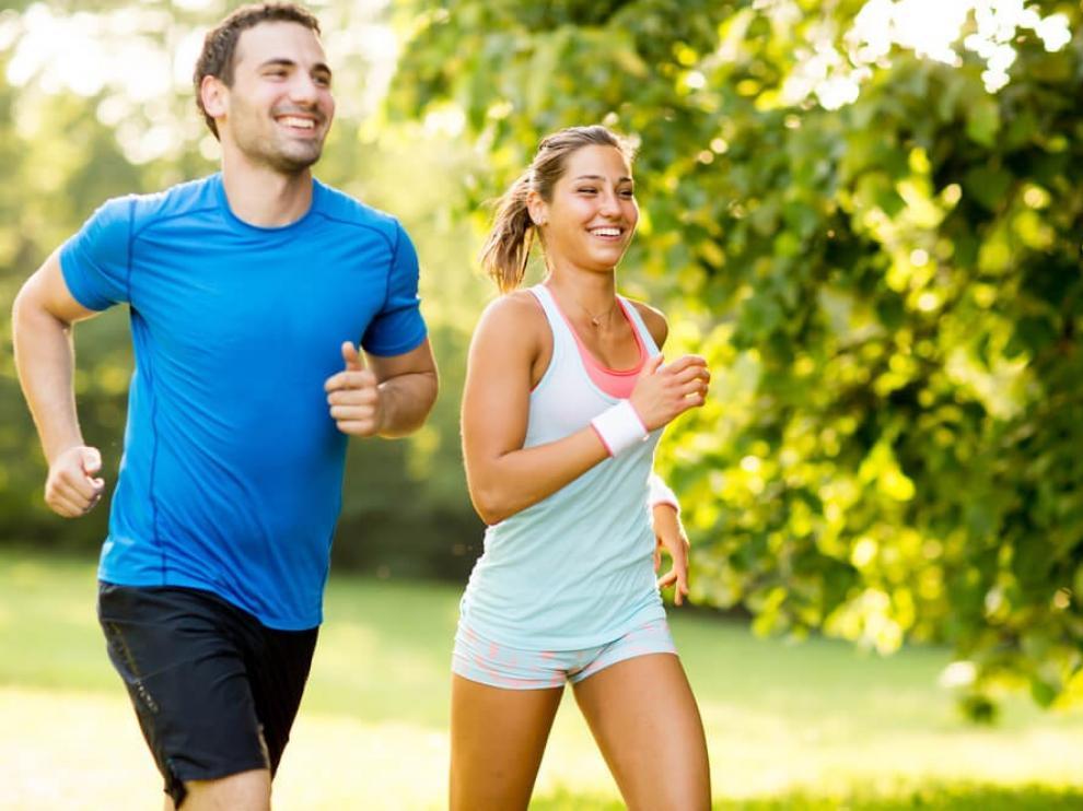 La actividad física favorece la memoria y el aprendizaje por la formación de neuronas, según un experto