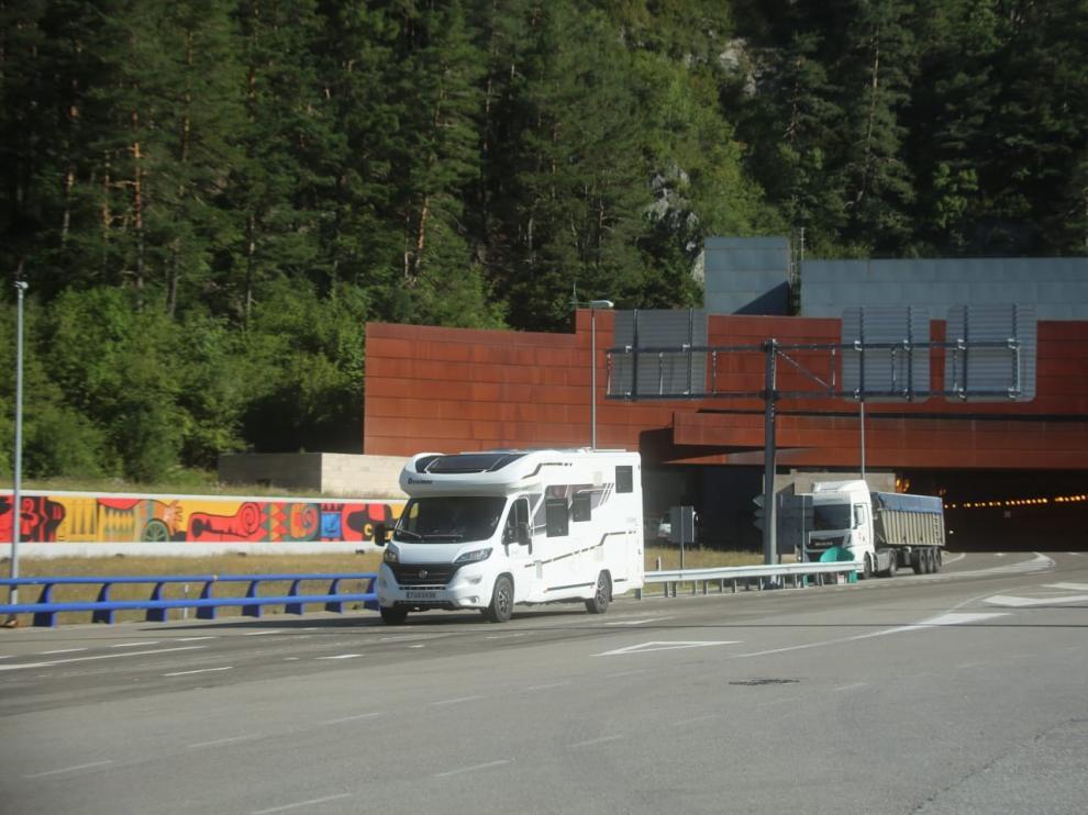 Prohibido el tráfico por Somport más de una hora por una protesta