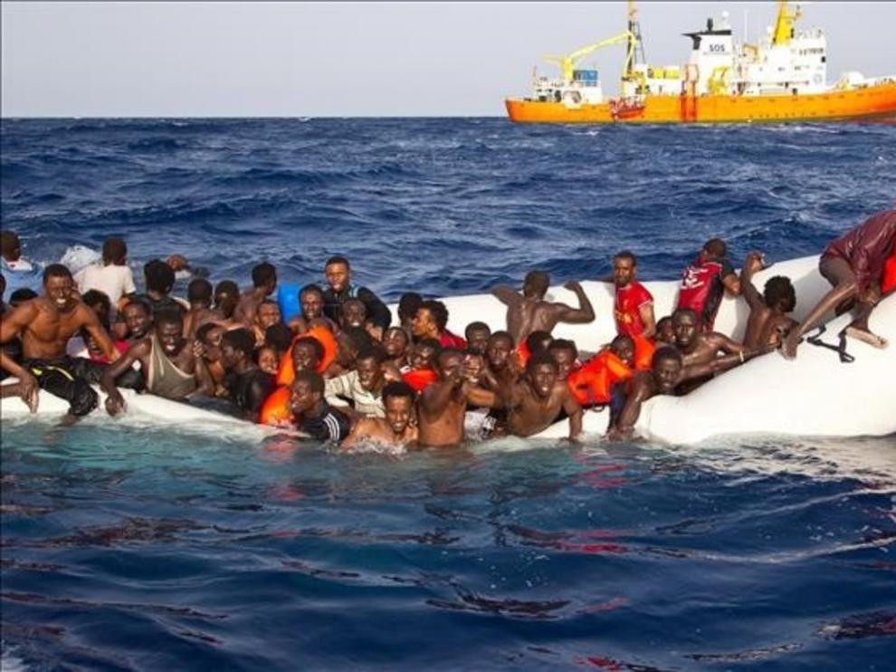 Decenas de muertos en un naufragio en aguas libias