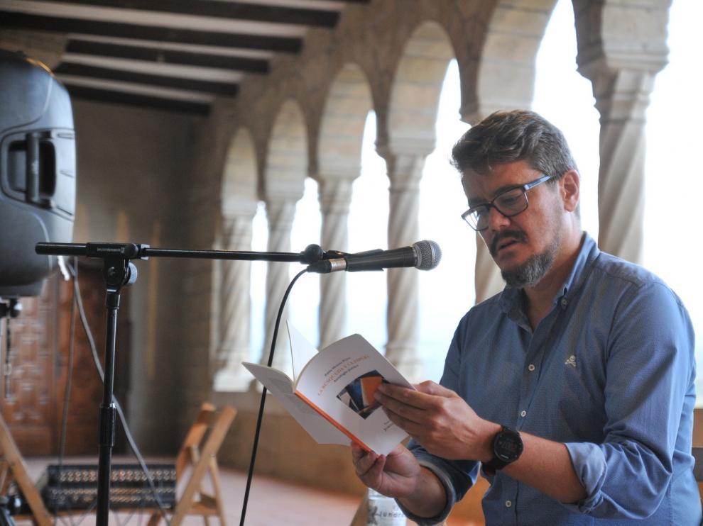 """Pablo Moreno Prieto: """"El poeta consigue reproducir música sin instrumentos"""""""