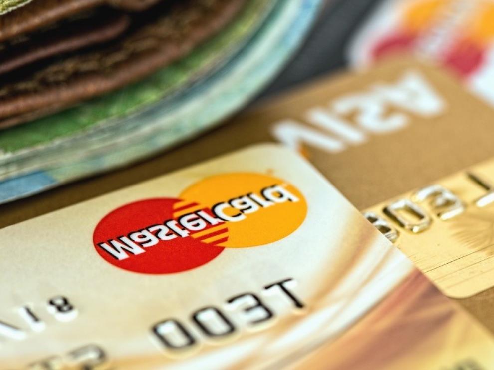Un vecino de Huesca recupera 4.000 euros reclamados al banco, tras ser víctima del uso fraudulento de su tarjeta de crédito