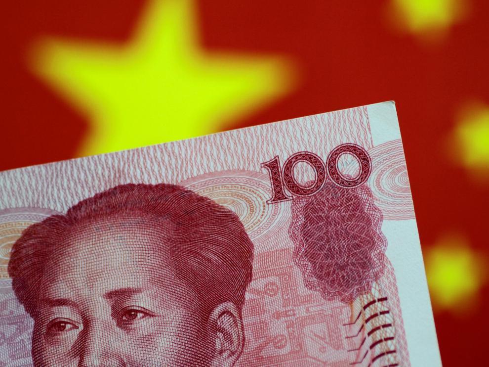 El yuan sufre en agosto su mayor caída mensual frente al dólar en 25 años