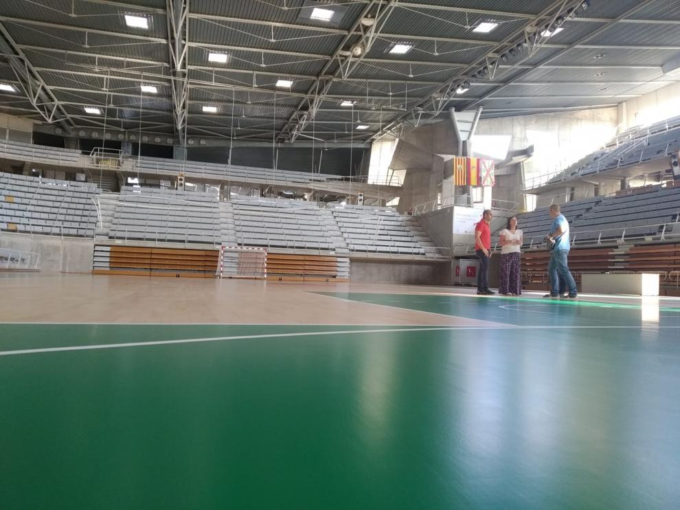 El parquet del Palacio de Deportes de Huesca, listo tras las obras de reparación