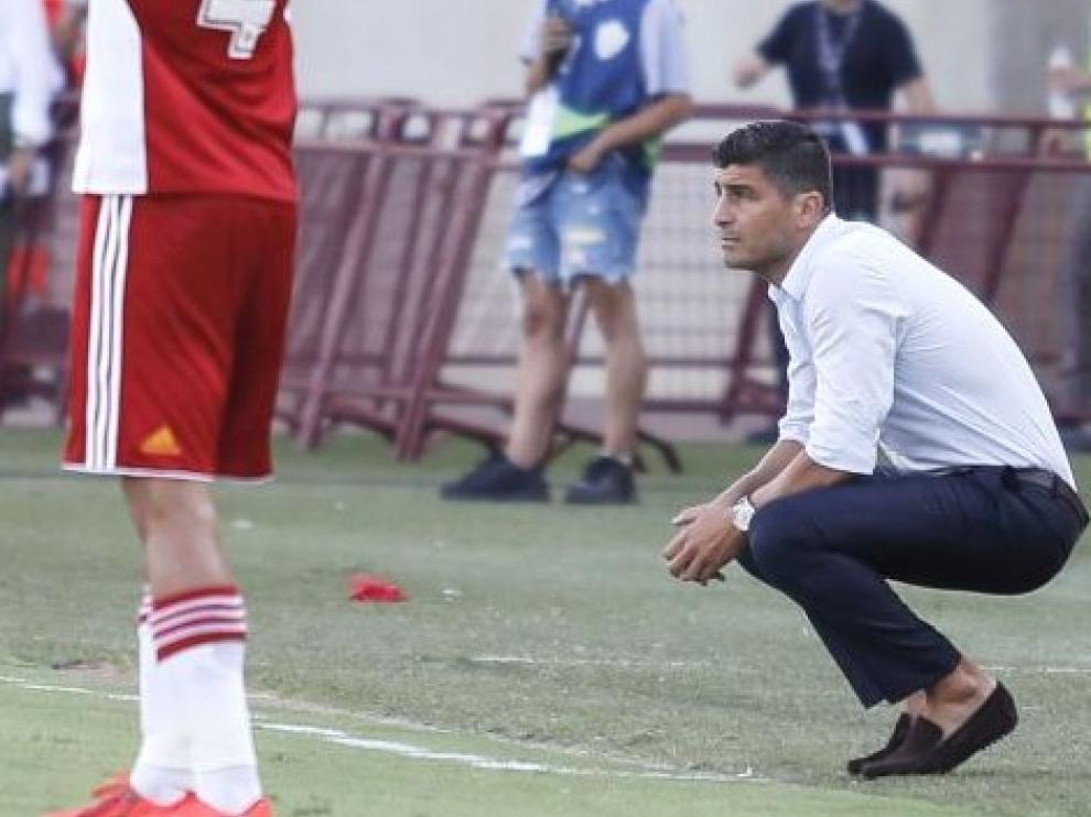 """El entrenador del Almería, Pedro Emanuel, califica al Huesca como un """"equipazo"""""""