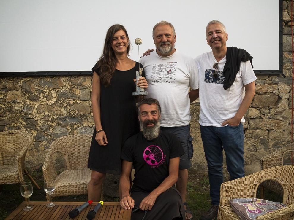 """Isabel Segura y Carmelo López reciben el premio Ascaso 2019 tras """"revolucionar"""" África"""