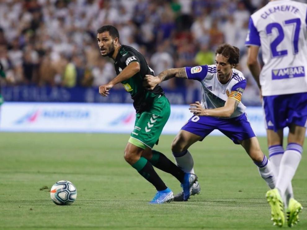 Un penalti concedido por el VAR da el triunfo al Zaragoza