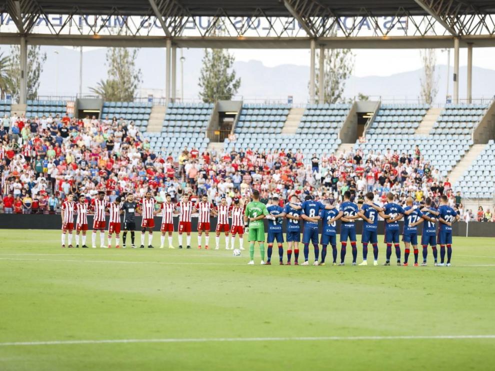 Un mal primer tiempo lastra al Huesca en Almería (1-0)