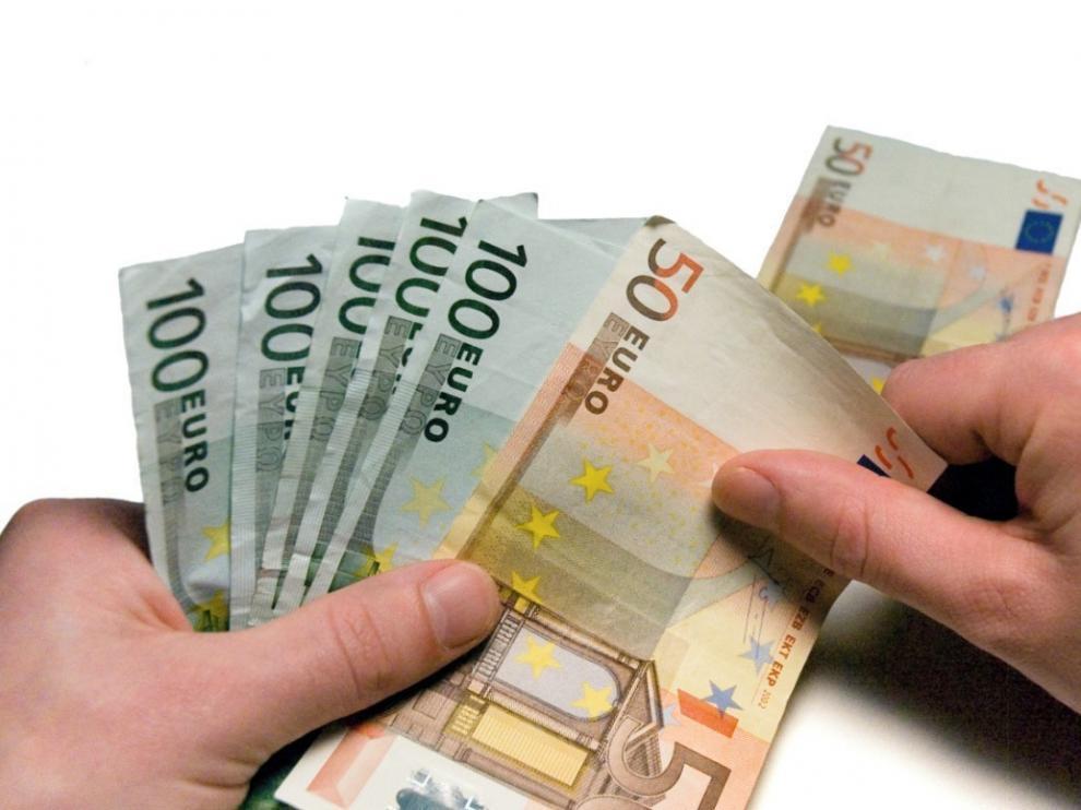 El Banco de España calcula que el PIB frena su avance al 0,4 % en tercer trimestre