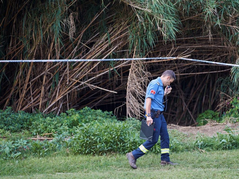 Un gran operativo peina el río Besòs para encontrar al bebé arrojado por su padre