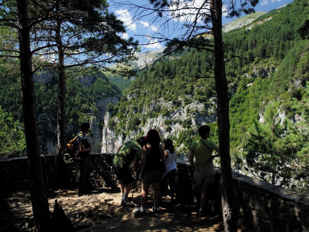 El Geoparque organiza rutas para conocer la comarca de Sobrarbe durante el otoño