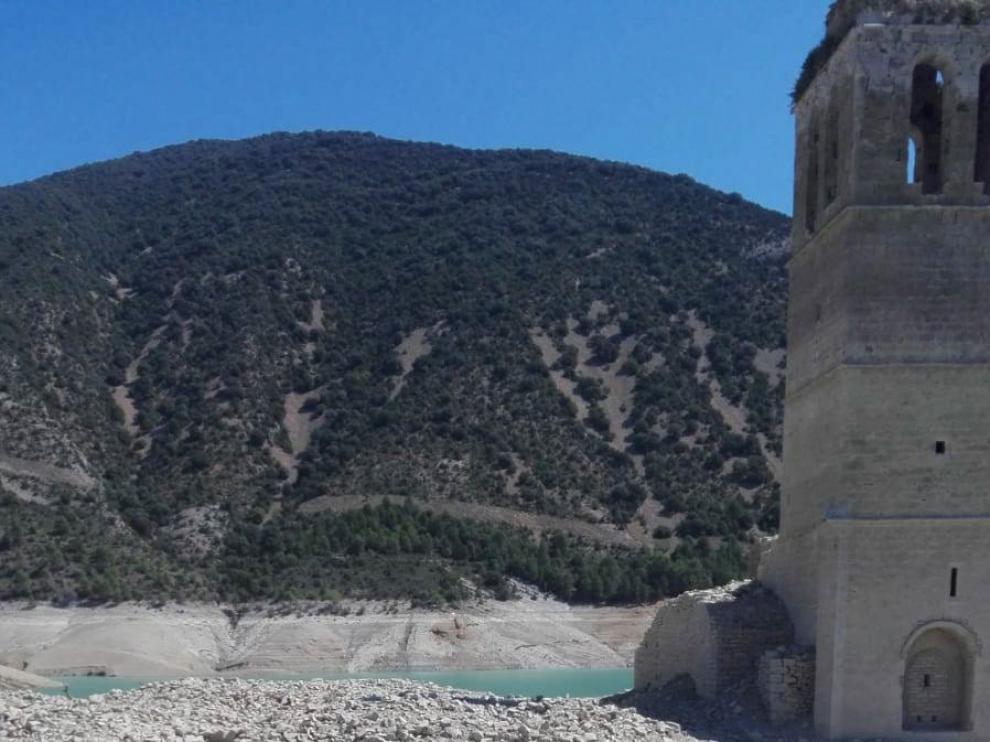 Restos de uralita en Mediano