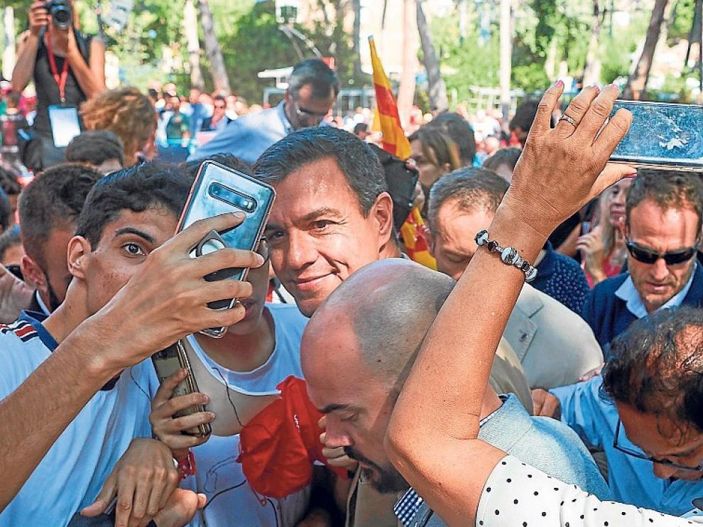 """Sánchez actuará """"con serena firmeza"""" si se quiebra el Estatut"""
