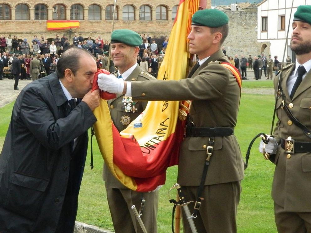 El Ejército anula la jura de bandera civil del 23 de mayo debido a la declaración del estado de alarma por la pandemia del coronavirus