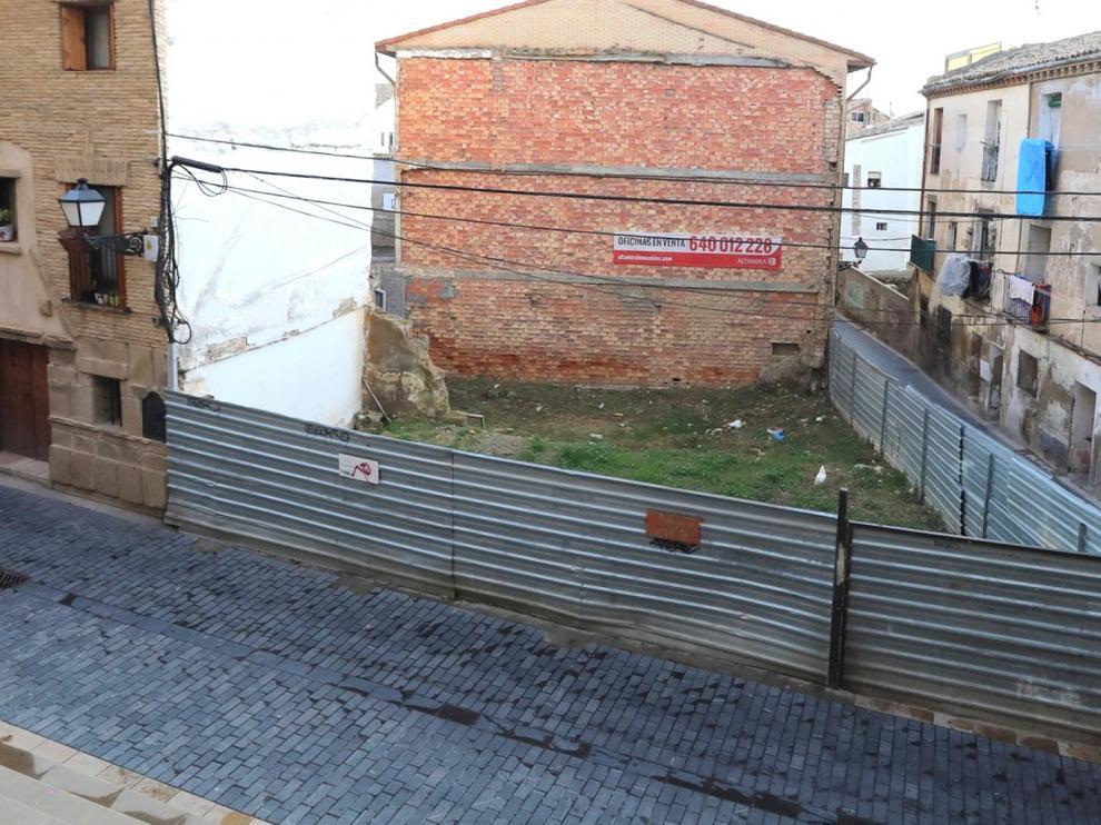 """Asociación de Vecinos Osce Biella: """"Tenemos un barrio lleno de cadáveres, los solares"""""""