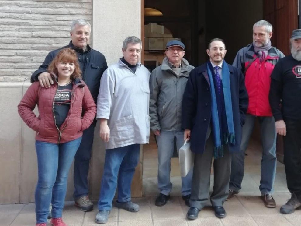 Charramos en Aragonés lleva al Justicia su queja por la retirada de los carteles en aragonés de Huesca