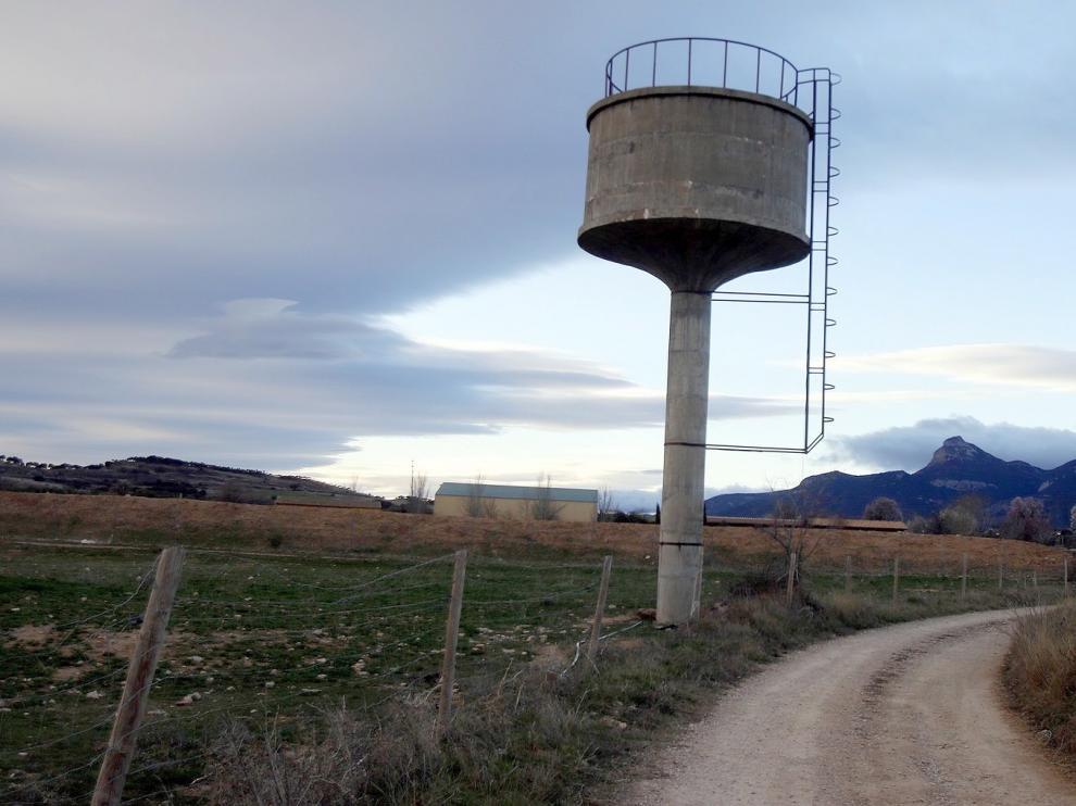 El Ayuntamiento de Huesca estudiará el exceso de gasto de agua en el barrio de Apiés