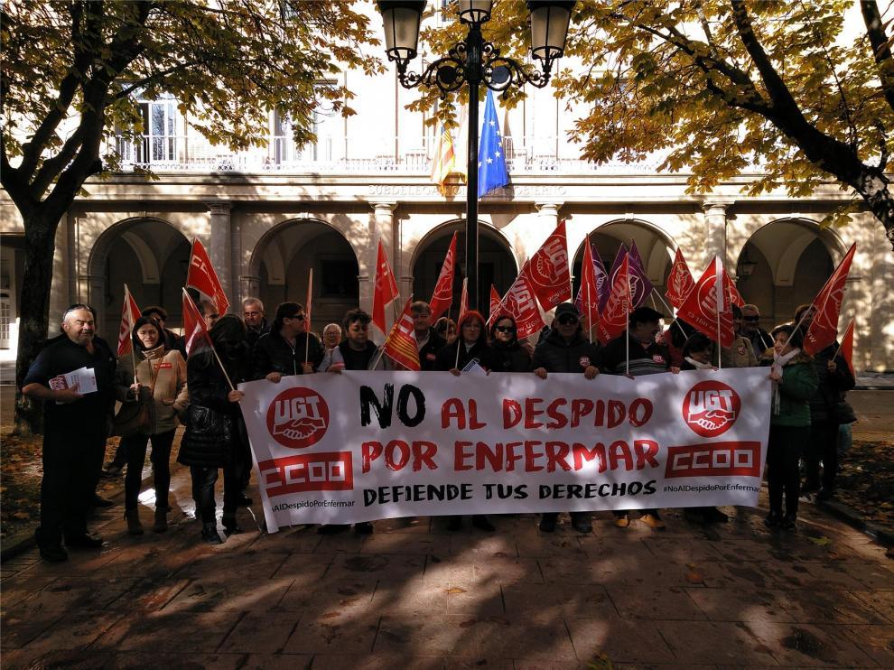 CCOO y UGT exigen derogar las reformas laborales y, sobre todo, el despido objetivo por enfermar