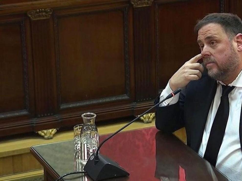 Junqueras pide al Supremo su libertad inmediata y anular sentencia del procés