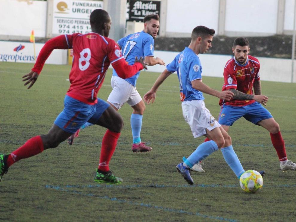 El esfuerzo del Binéfar queda sin recompensa ante el líder Teruel