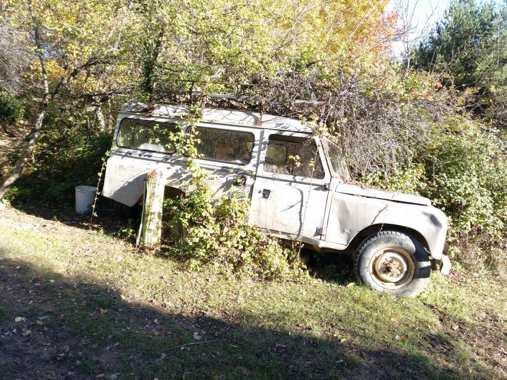 Vehículo abandonado en la zona de Sasé