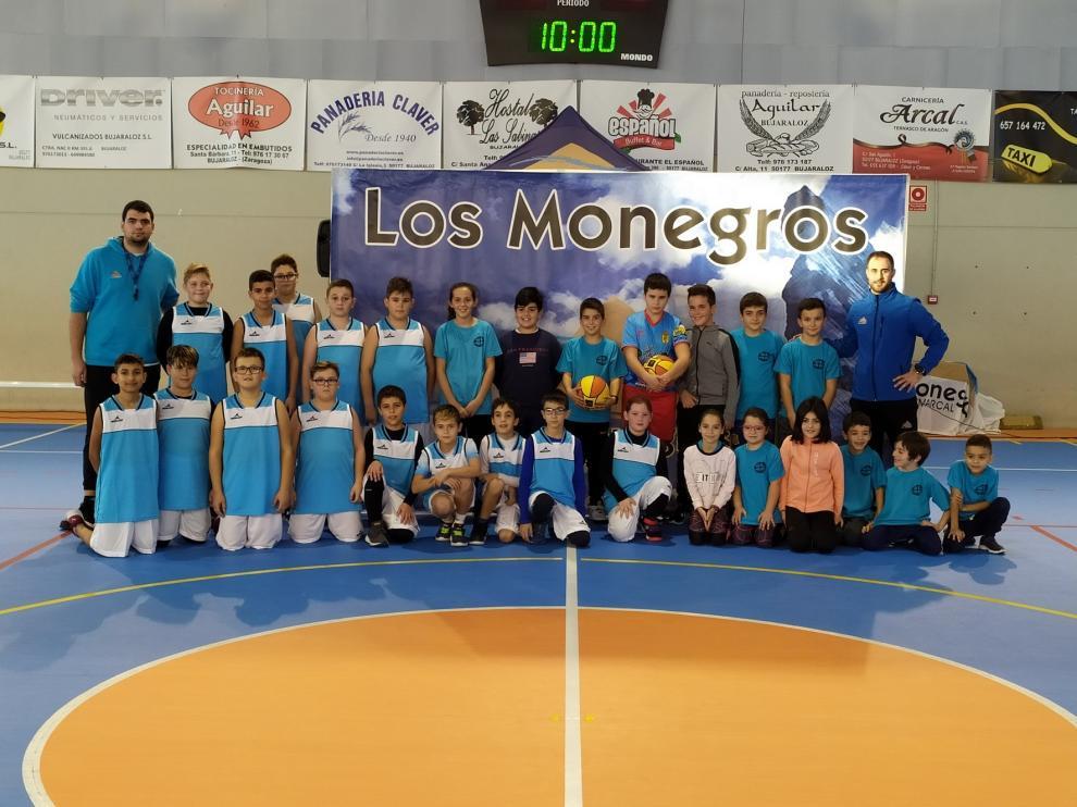 Bujaraloz acogió el primer encuentro de escuelas comarcales de baloncesto de Los Monegros