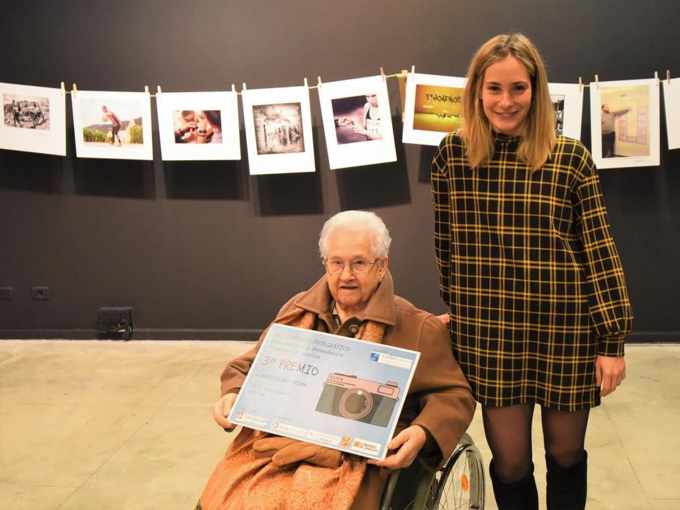 """María Escario, premiada en el concurso fotográfico de Cadis: """"Las personas dependientes tienen mucho que decir"""""""