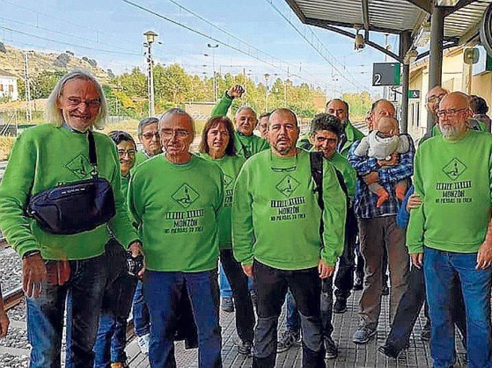 Cuatro mil firmas en apoyo al tren en Monzón