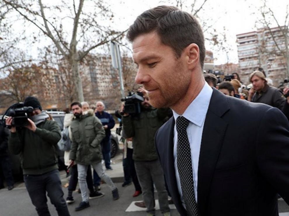 La fiscalía recurre la absolución de Xabi Alonso y pide que se repita el juicio