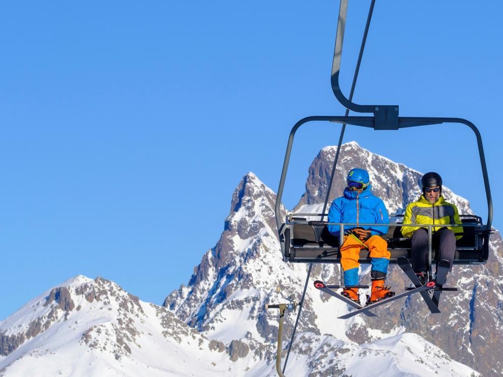 El sector turístico espera un gran puente festivo en el Pirineo
