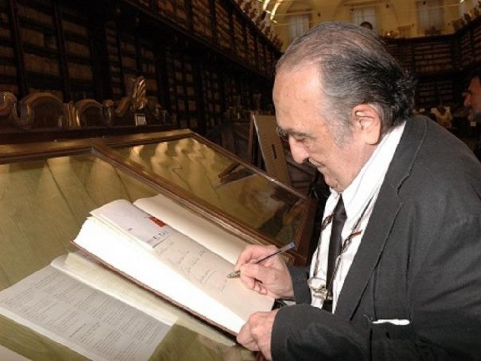 Una lupa y una agenda, el legado de Sánchez Ferlosio a la Caja de las Letras