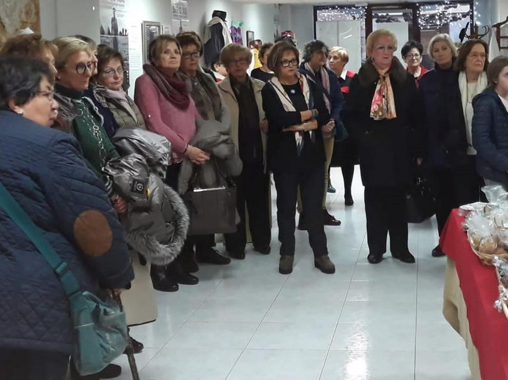 Manos Unidas abre su tradicional Mercadillo de Navidad en Fraga
