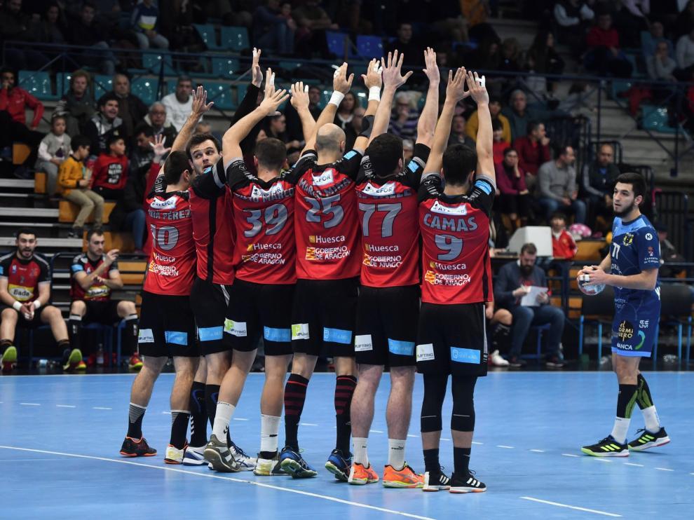 El Bada Huesca, en situación crítica tras cinco derrotas consecutivas