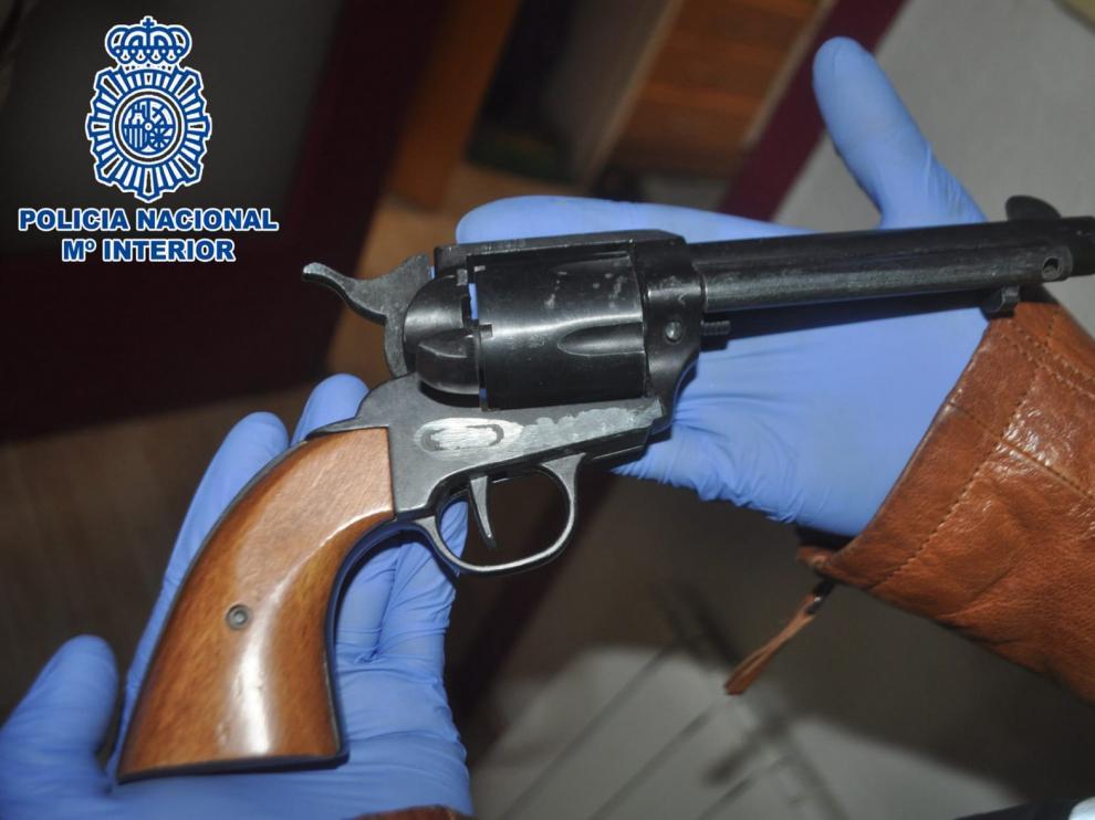 Tres detenidos en Huesca por retener durante dos días a una joven a la que acusaban de quedarse con el botín de un robo