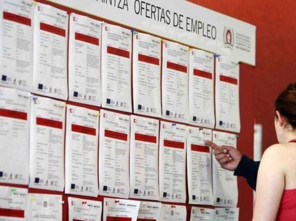 Extremadura y Canarias sufren los mayores frenazos del empleo hasta noviembre