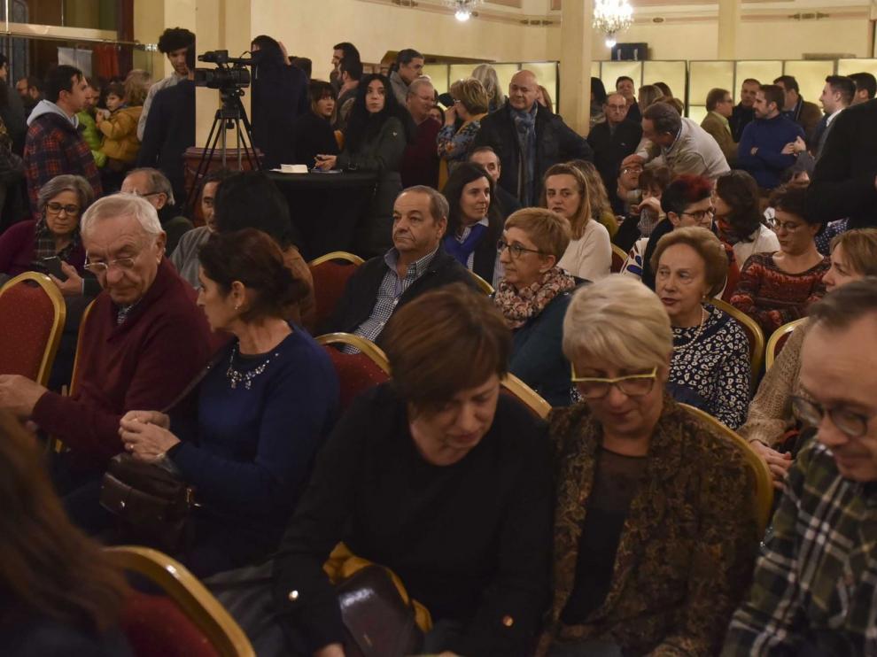 Los comerciantes de Huesca brindan a favor de la Asociación Down