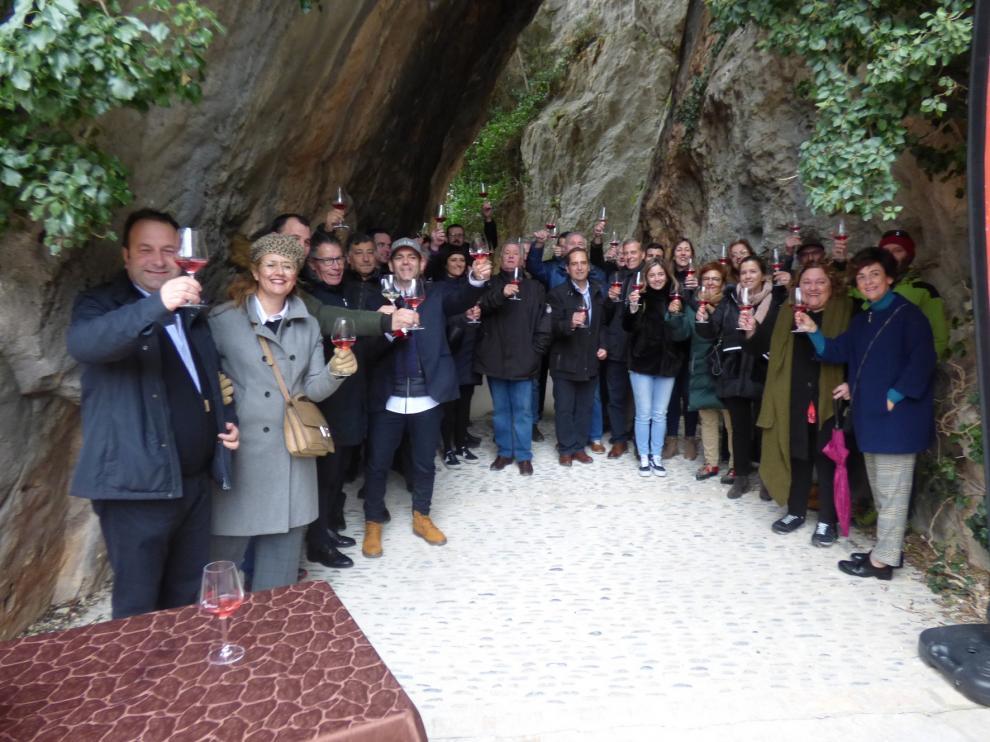 Bodega Pirineos presenta las nuevas añadas de Alquézar Rosado y Blanco