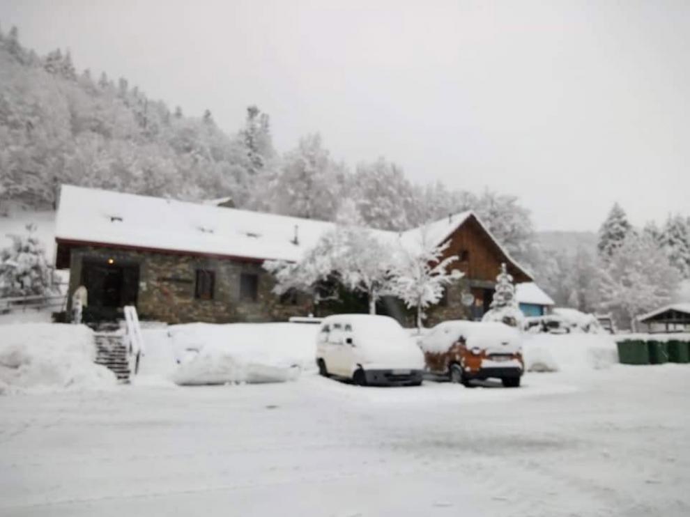 Normalidad en las carreteras de Huesca aunque todavía hacen falta cadenas en algunos tramos pirenaicos