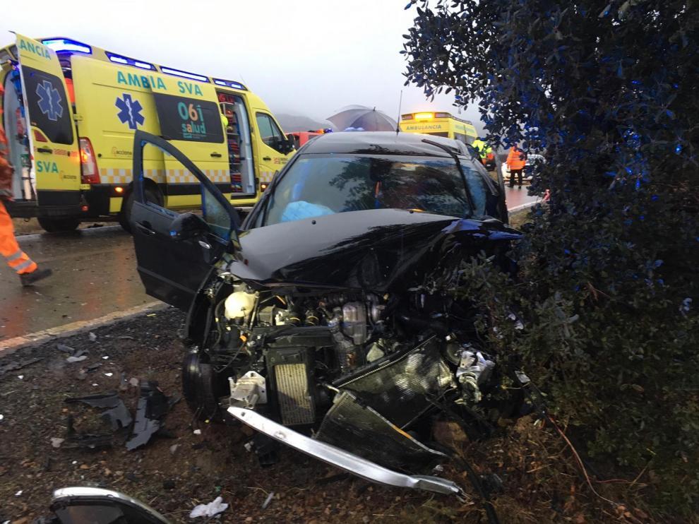 Una mujer herida grave, en un accidente de tráfico entre Ayerbe y Bolea