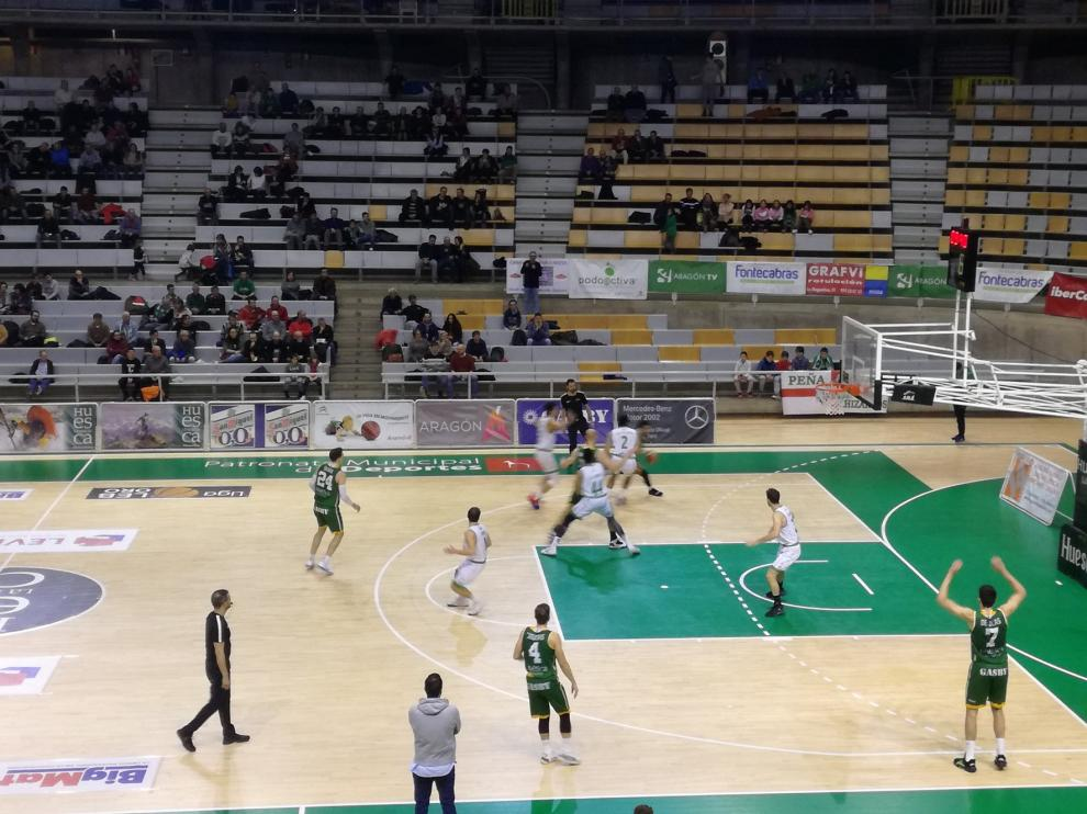 Levitec naufraga en la segunda parte y Castelló se lleva la victoria en el Palacio de los Deportes (76-90)