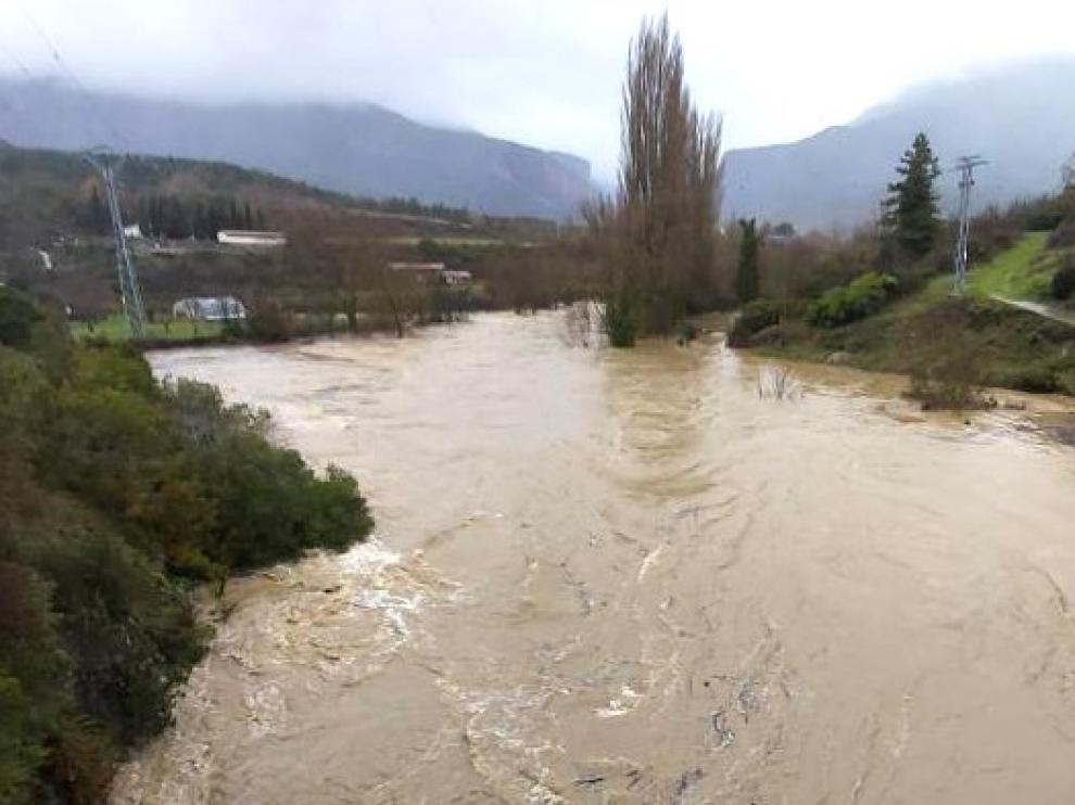 Activada la alerta por riesgo de inundación ante la crecida del Ebro