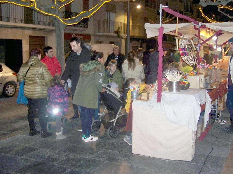 La Asociación del Casco Histórico de Fraga celebra su Feria de Navidad