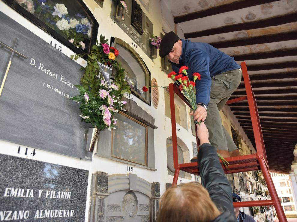 Homenaje a los capitanes Fermín Galán y García Hernández