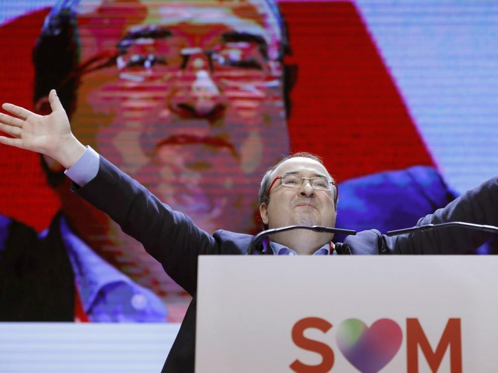 El PSOE cree un honor encauzar el conflicto con Cataluña