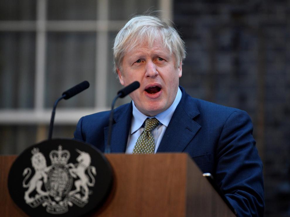 Johnson alardea de su mayoría en el comienzo de su mandato