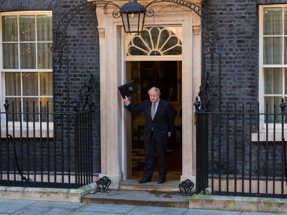 Johnson ultima los cambios en su gabinete y perfila su estrategia