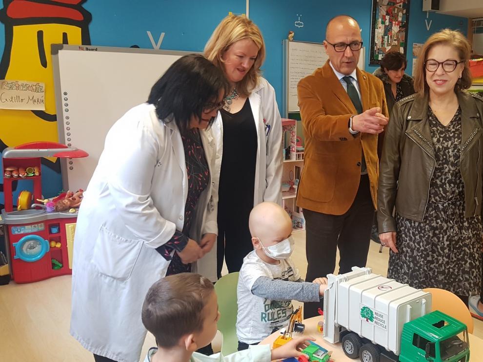Doce docentes para las aulas hospitalarias de Aragón, que reciben a más de mil menores