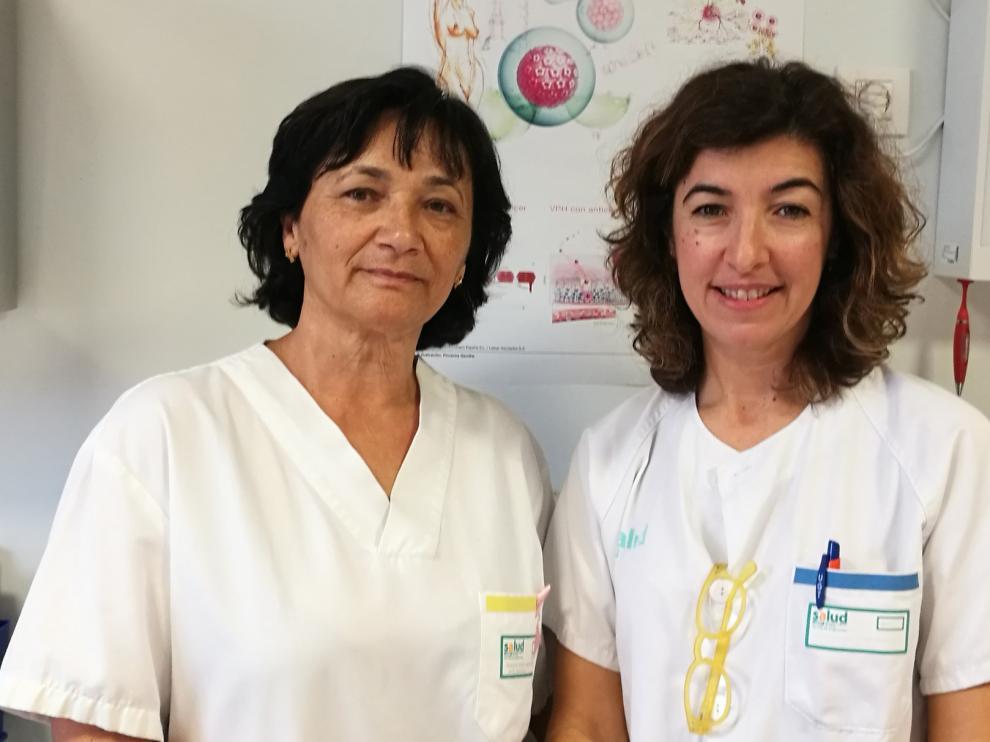 La doctora María Ángeles Aragón y la matrona Patricia Millanes, premio Ernest Lluch 2019