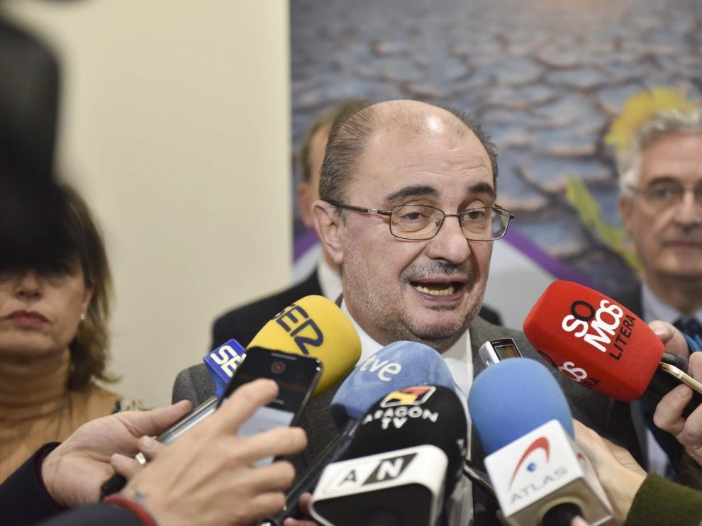 """Lambán lamenta que PP y Cs no hayan estado """"a la altura"""" para frenar a ERC"""