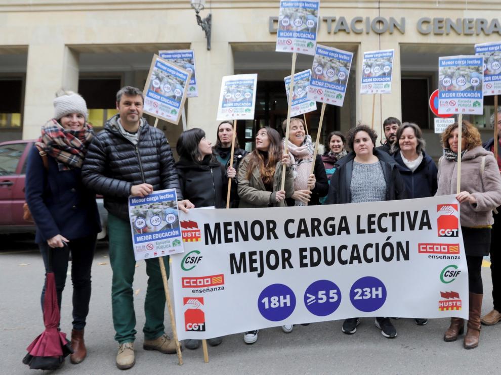 Los sindicatos inician movilizaciones en Huesca por las 18 horas lectivas